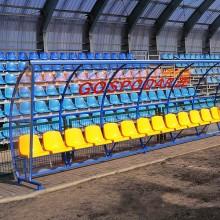 Wiata stadionowa W-3 pokryta poliwęglanem litym bezbarwnym