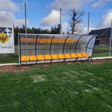 Wiata stadionowa W-1 pokryta poliwęglanem litym bezbarwnym